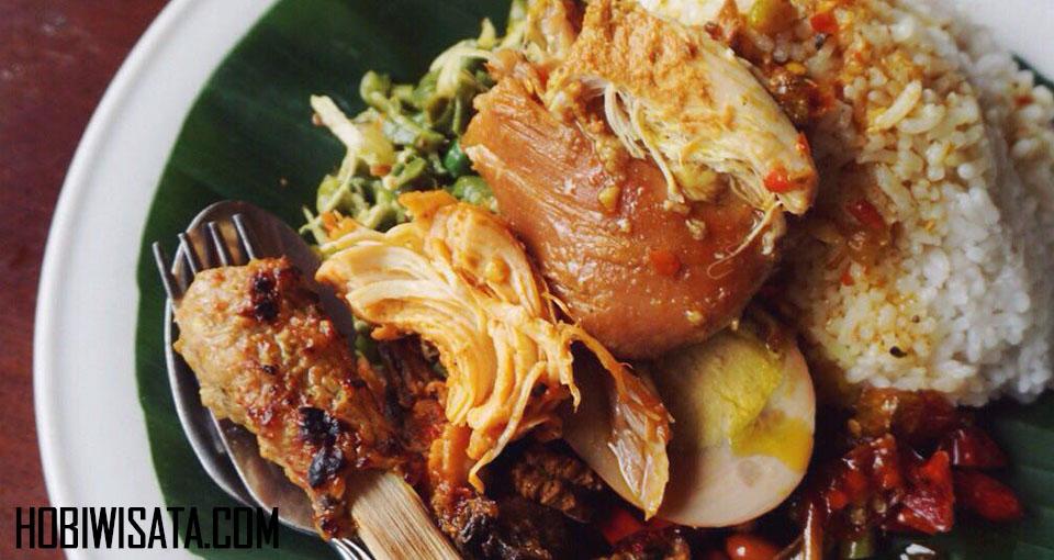 Makanan Halal di Bali Nasi Ayam Kedawetan Ibu Mangku