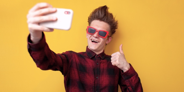 Top 5 Male Profile Photo Dos and Don'ts