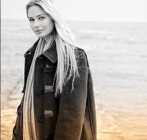 Актриса Наталья Рудова покрасила волосы в розовый цвет