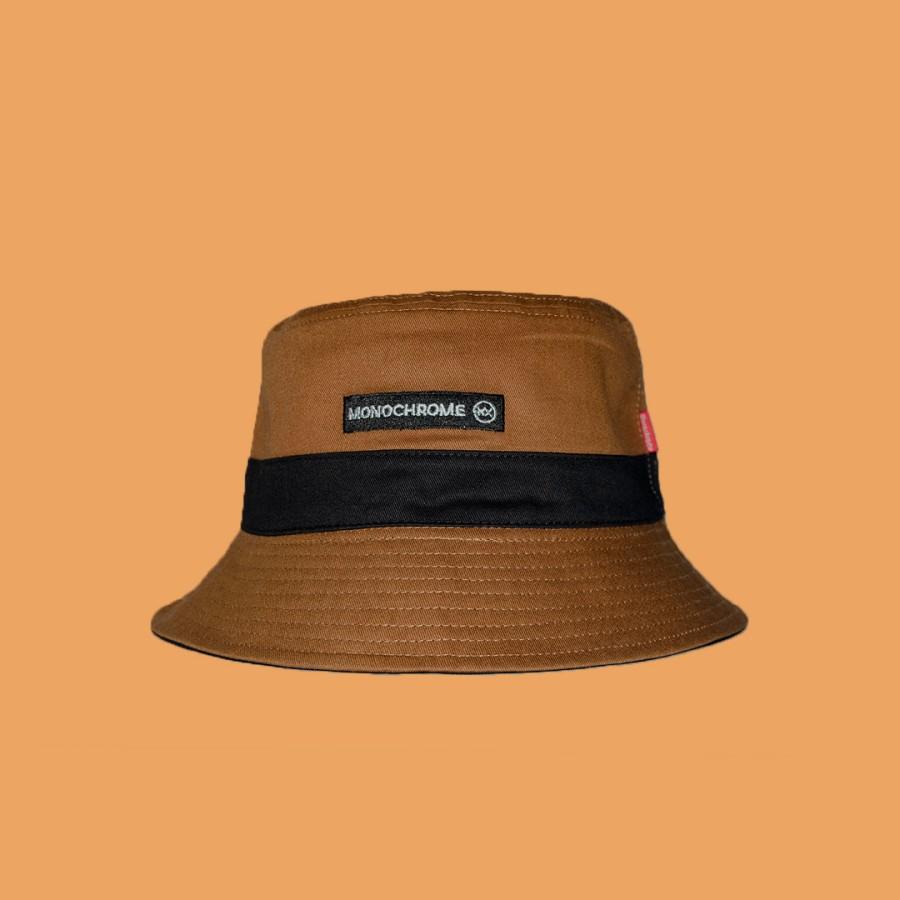 Topi Bucket Hat Monochrome Black Label Motif Bolak Balik