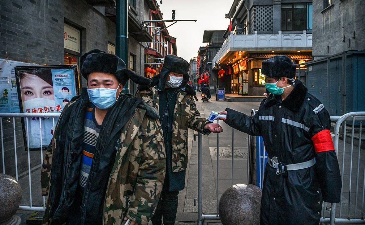 Китайские медики определили срок победы над коронавирусом