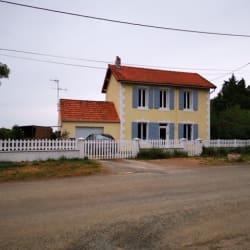 Maison Forges (17290)  5 pièce(s)