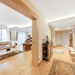 Paris 17 - 5 pièce(s) - 200.26 m2 - 3ème étage
