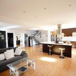 Appartement 6 pièces 176 m² en duplex avec cave et places de par
