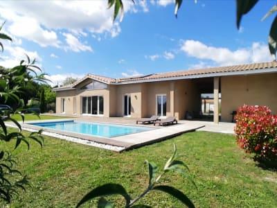 Villa d'exception avec terrain et piscine