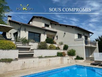 Belle villa cossue de 234m2 avec une très belle vue sur un terra