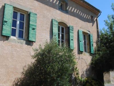 Proche Alzonne - coquette maison de village avec vues dégagées s
