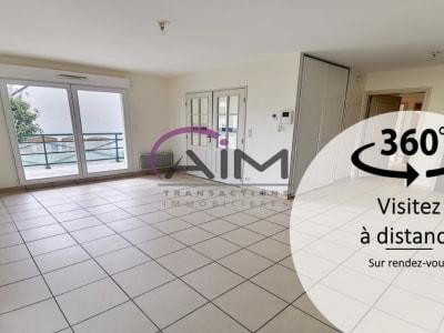 Appartement Saint Antoine Du Rocher 3 pièce(s) 62 m2