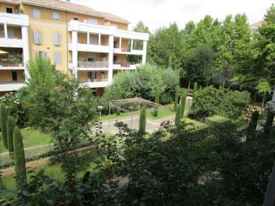 Aix Sud, T3 de 67 m² + balcon 14 m² + 2 pkg privatifs