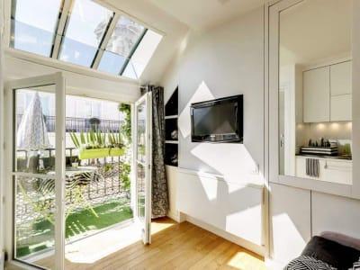 Studio meublé refait par architecte avec balcon