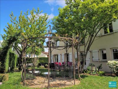 Maison VERRIERES LE BUISSON - 8 pièce(s) - 285.43 m2
