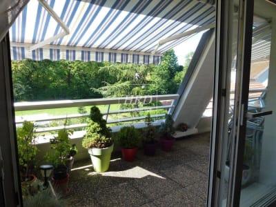Dernier étage dans une petite copropriété à la Robertsau!