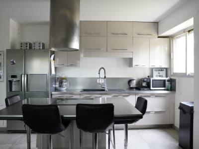 Grand 3 P + Bureau de 82 m²