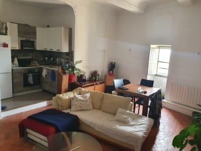 Location appartement T3 de 74 m² Château de Meyrargues