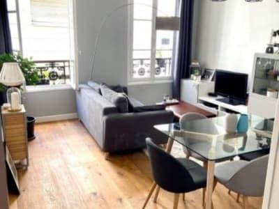Paris 10 - 2 pièce(s) - 38 m2 - 1er étage