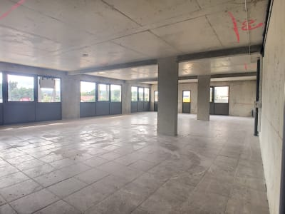 LOCATION LOCAL COMMERCIAL 90 M² LES ANGLES