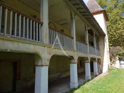 Appartement à rénover -  4 pièce(s) 128 m2  avec jardin privatif