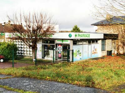 MURS COMMERCIAUX - pharmacie du vauvarois -