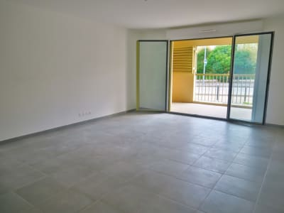 Appartement T3 + 20m² de terrasse et parking
