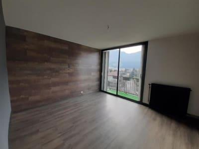 Appartement Fontaine - 4 pièce(s) - 68.0 m2