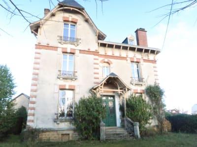 SUBLIME maison bourgeoise située à Saint Junien 11 pièce(s)