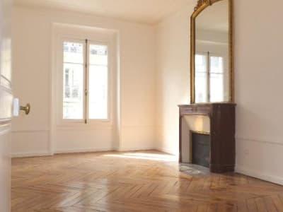 Appartement rénové Paris - 3 pièce(s) - 85.0 m2
