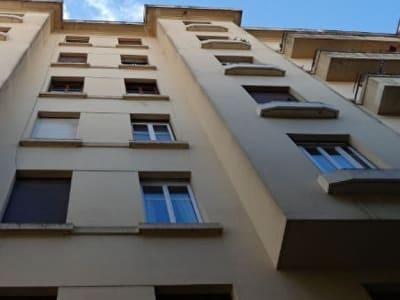 Centre Carcassonne - Appartement à rénover dans Immeuble époque