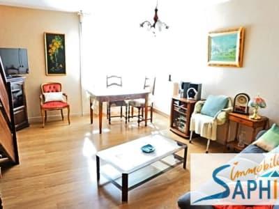 Lespinasse - 3 pièce(s) - 84 m2 - 1er étage