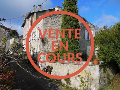 MAISON DE VILLAGE ST HILAIRE DE LUSIGNAN - 5 pièces - 145 m²