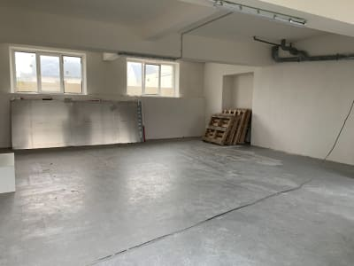 LOCAL PROFESSIONNEL/STOCKAGE 68 M²