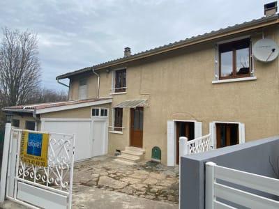 ST ALBAN DE ROCHE, Maison T4 avec cour et garage