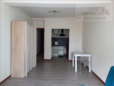 Auch - 1 pièce(s) - 27.95 m2