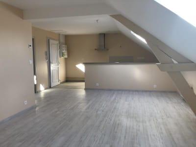 Crepy En Valois - 2 pièce(s) - 59.79 m2