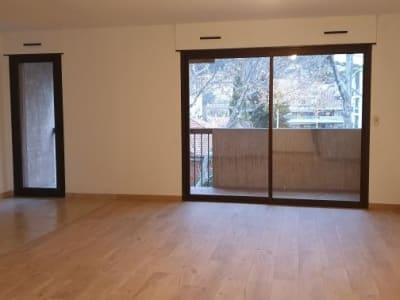 Salon De Provence - 3 pièce(s) - 75.96 m2