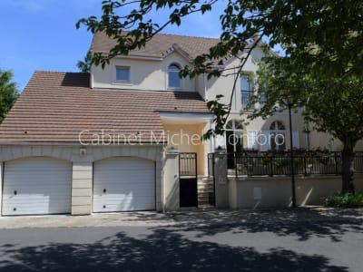 Maison à vendre Marly Le Roi 6 pièce(s) 4 chambres 175 m2