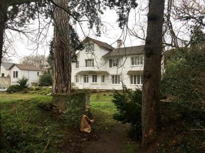 House / villa 80 rooms