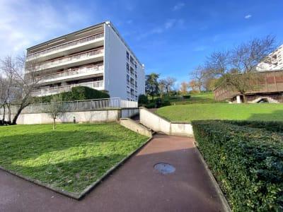Appartement  5 pièce(s) 95 m2  Résidence du Clos Perault