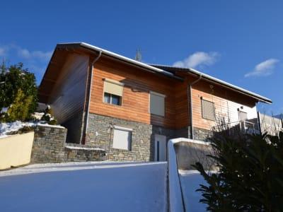 Maison 205 m2 avec sous-sol complet à Villaz