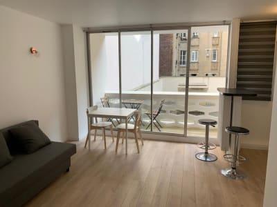 *** Courbevoie, Studio avec terrasse meublé ***