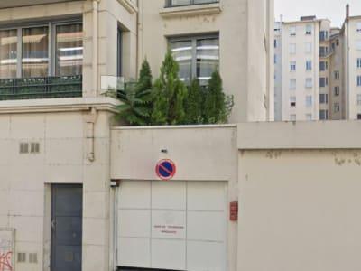 Garage simple fermé  - Rue Vendôme Lyon 6ème