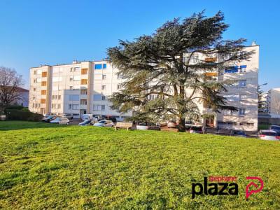T6 de 116 m² - Dernier étage - 4 chambres + 1 Bureau - Parking.
