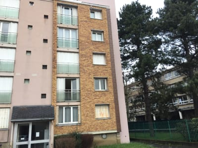 Appartement F 2/3  de 50 M² à GAGNY