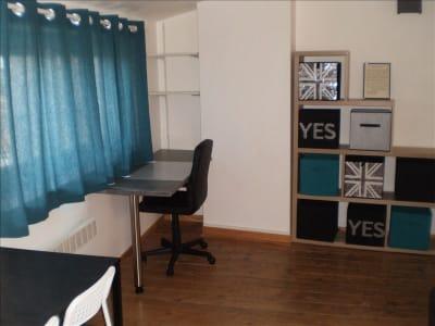 Auch - 1 pièce(s) - 26.93 m2