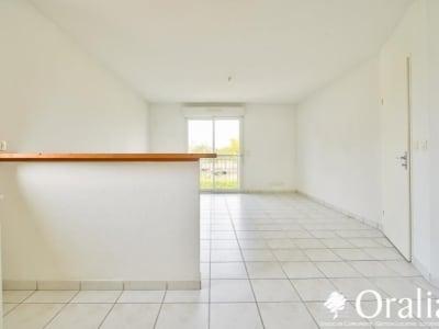 Toulenne - 2 pièce(s) - 46.75 m2 - 1er étage