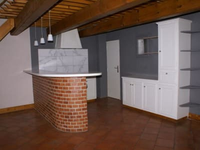 APPARTEMENT CARPENTRAS - 2 pièce(s) - 87 m2
