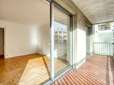 PARIS 15ème- VOUILLÉ-LABROUSTE - 2 pièces avec balcon et parking
