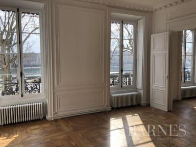 Lyon 2 - Quai Gailleton - Appartement rénové de 120,25 m² - 2 ch