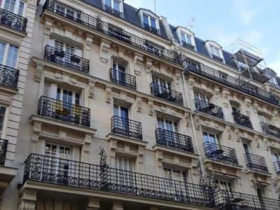 Paris 18 - 1 pièce(s) - 29 m2 - 1er étage