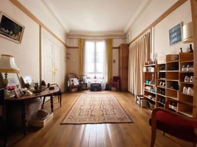 Appartement 4 pièces, 110 m², Paris III.