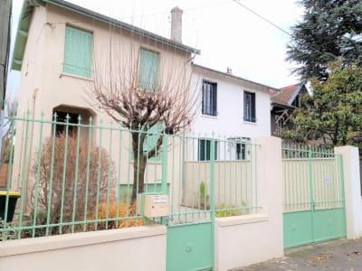Maison Bron - 75.0 m2